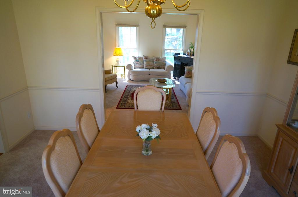Dining Room Flows to Living Room - 11 WESTBROOK LN, STAFFORD