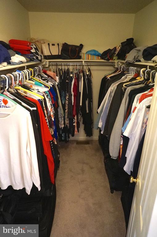 Walk-In Closet (9'x'6') - 11 WESTBROOK LN, STAFFORD