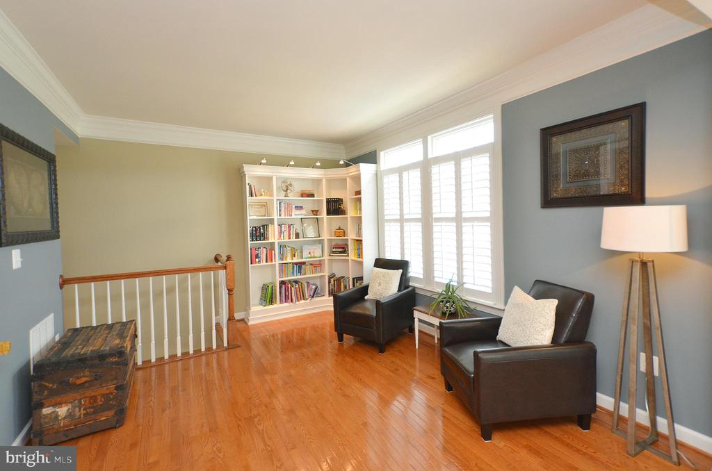 Formal Living Room w/ Built-in Bookshelves - 25035 AVONLEA DR, CHANTILLY