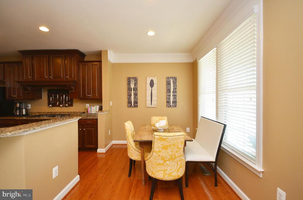 Breakfast Room - 25035 AVONLEA DR, CHANTILLY