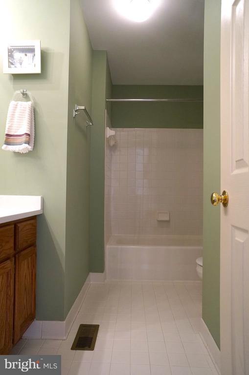 Bathroom #2 has Tub/Shower w/Ceramic Tile Surround - 11 WESTBROOK LN, STAFFORD
