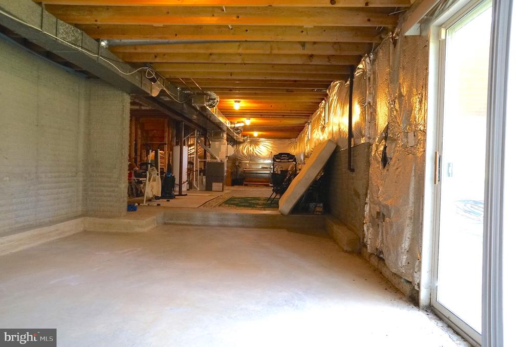 Unfinished Basement w/ Full Bath Rough-In Plumbing - 11 WESTBROOK LN, STAFFORD