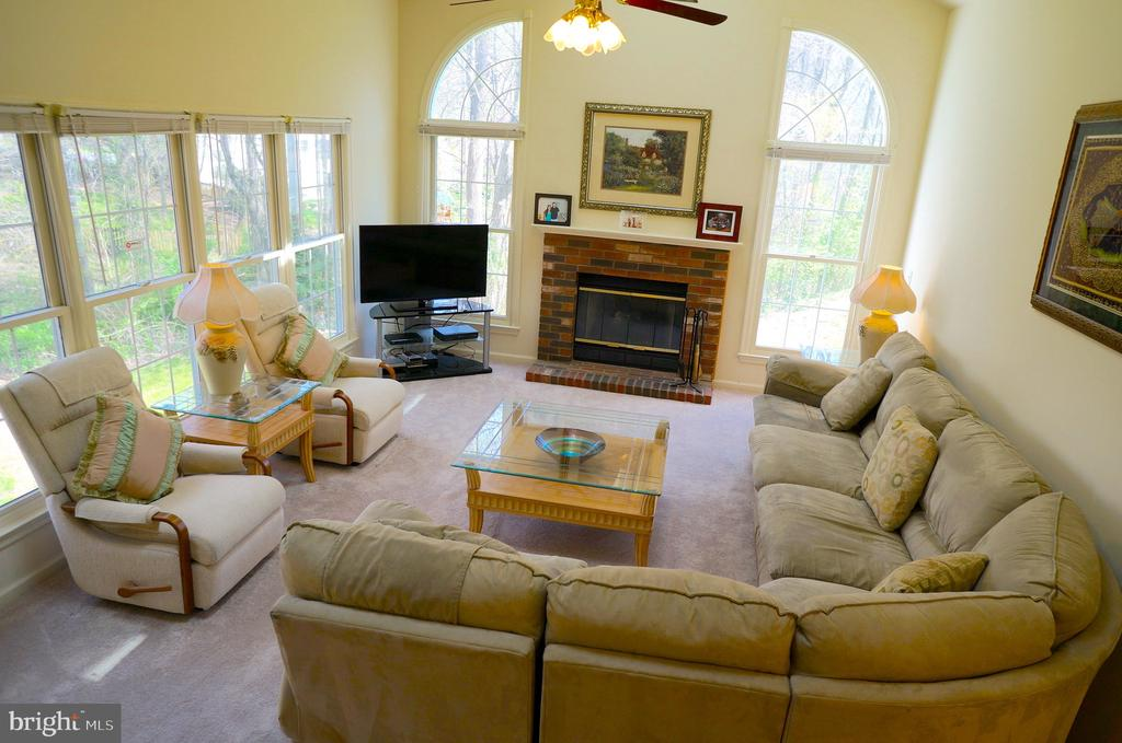 Family Room has 13' Cathedral Ceiling - 11 WESTBROOK LN, STAFFORD