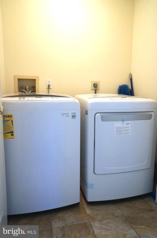 LG Direct Drive HE Washer & Sensor Dry HE Dryer - 11 WESTBROOK LN, STAFFORD