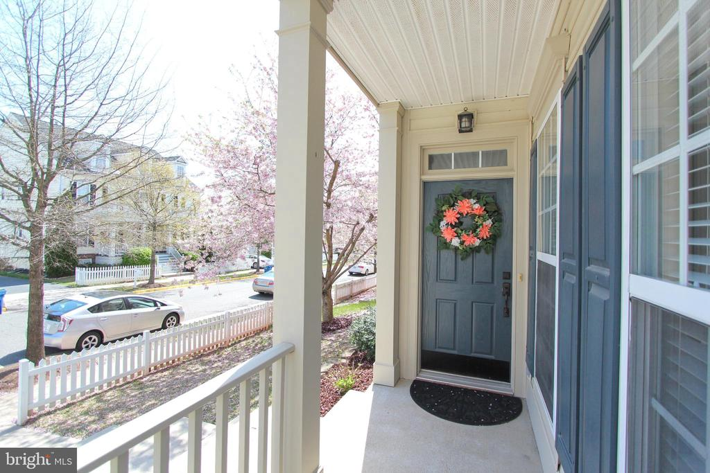 Front porch - 20413 BOWFONDS ST, ASHBURN