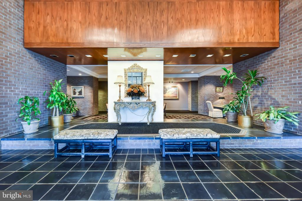 The sight as you enter The Regency - 1800 OLD MEADOW RD #606, MCLEAN