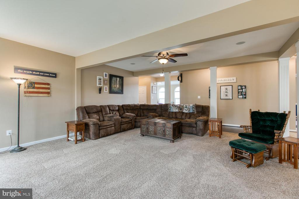 Family room - 145 DONOVAN LN, STAFFORD