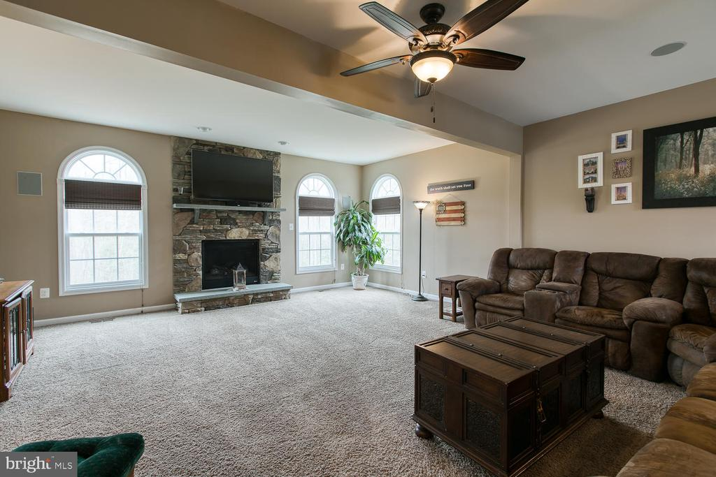 Family room with gas fireplace - 145 DONOVAN LN, STAFFORD