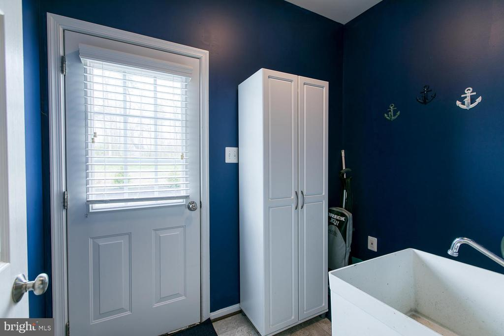 Mud room - 145 DONOVAN LN, STAFFORD