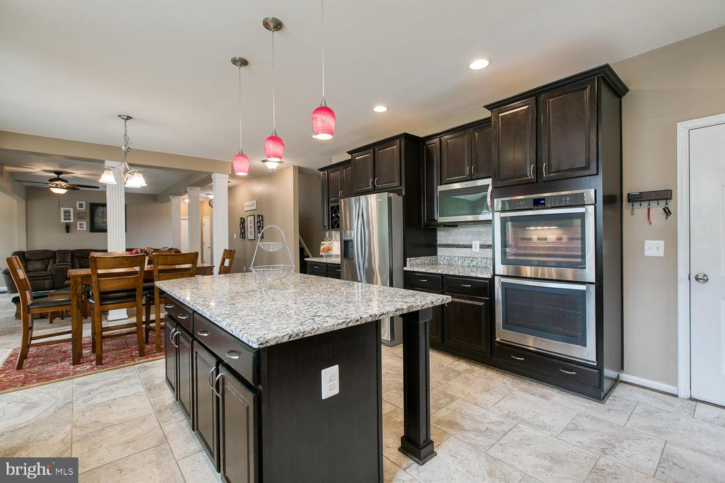 Gourmet Kitchen with double wall ovens - 145 DONOVAN LN, STAFFORD