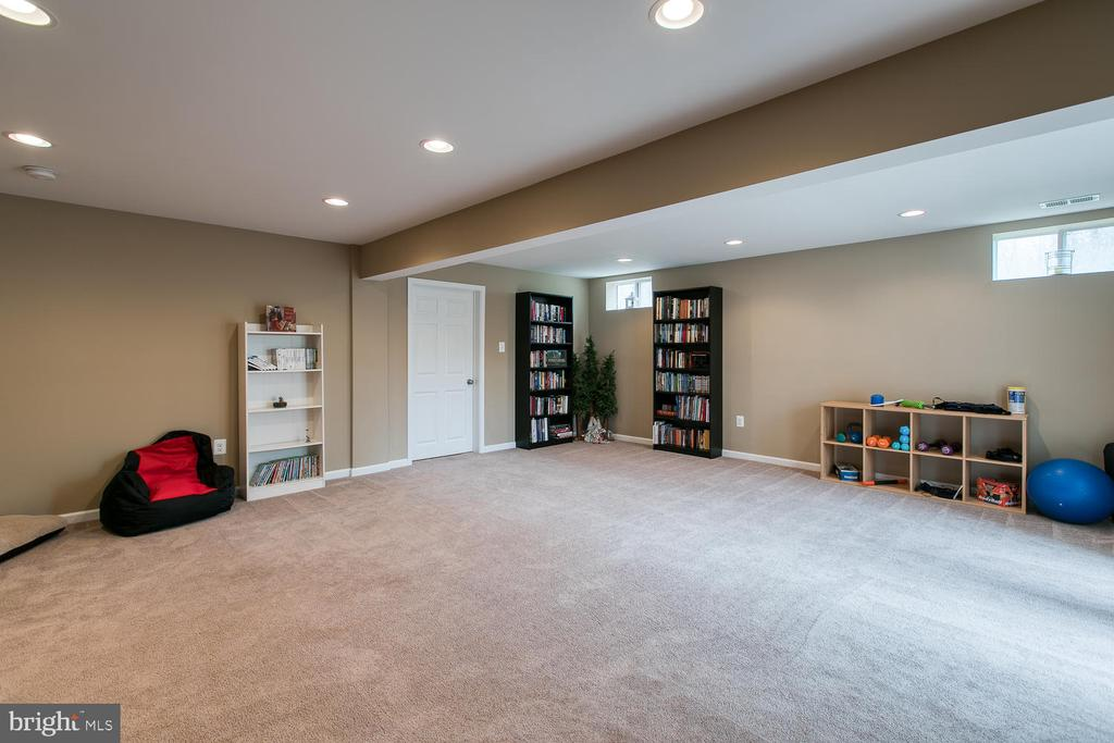 game room with recessed lighting - 145 DONOVAN LN, STAFFORD