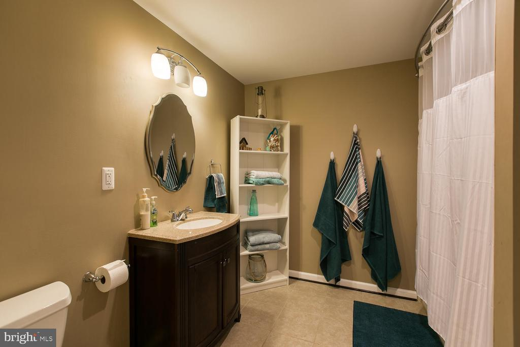 Full bath in basement (off 5th bedroom) - 145 DONOVAN LN, STAFFORD