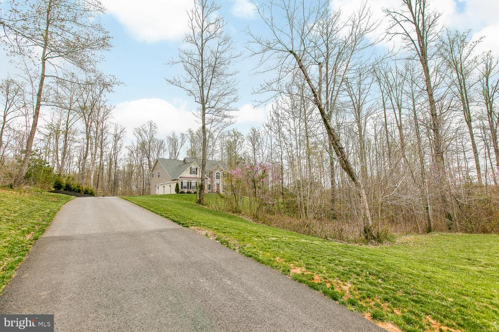 Drive way from street to home - 145 DONOVAN LN, STAFFORD