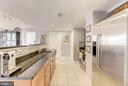 Kitchen with granite counters - 1220 N FILLMORE ST #708, ARLINGTON