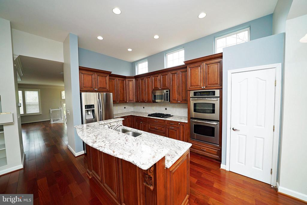 KITCHEN 2 - 12224 DORRANCE CT, RESTON