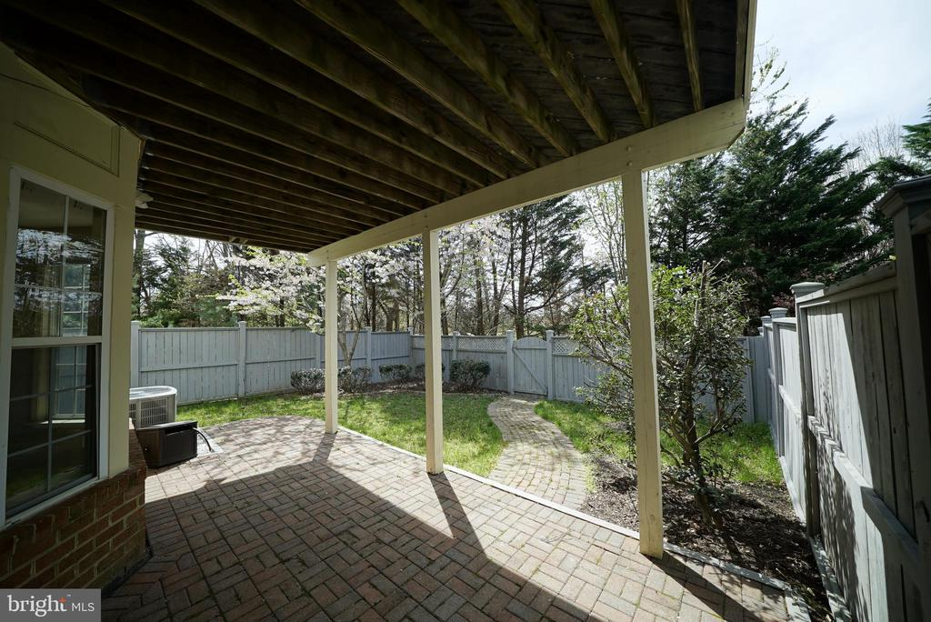 YARD & PATIO 2 - 12224 DORRANCE CT, RESTON