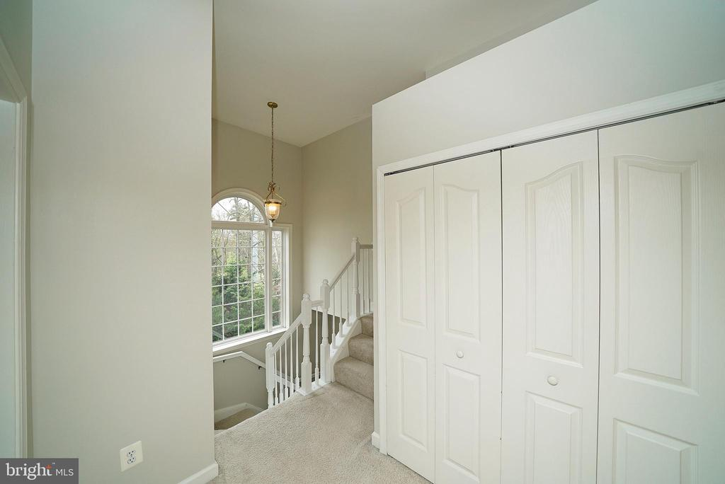 UPSTAIRS LANDING - 12224 DORRANCE CT, RESTON