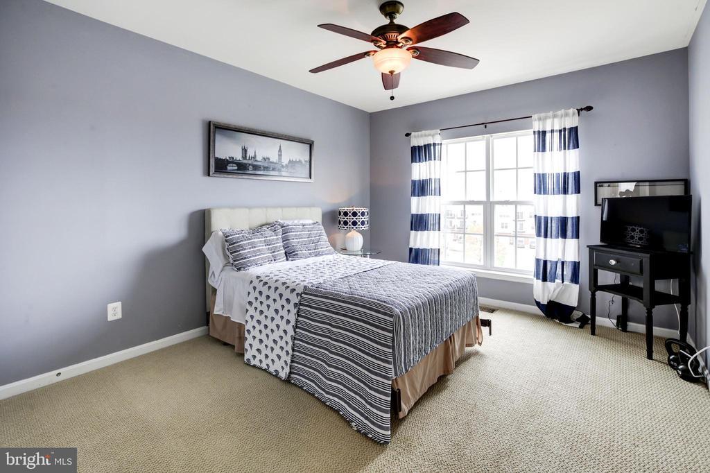Bedroom 2 - 43545 MAHALA ST, LEESBURG