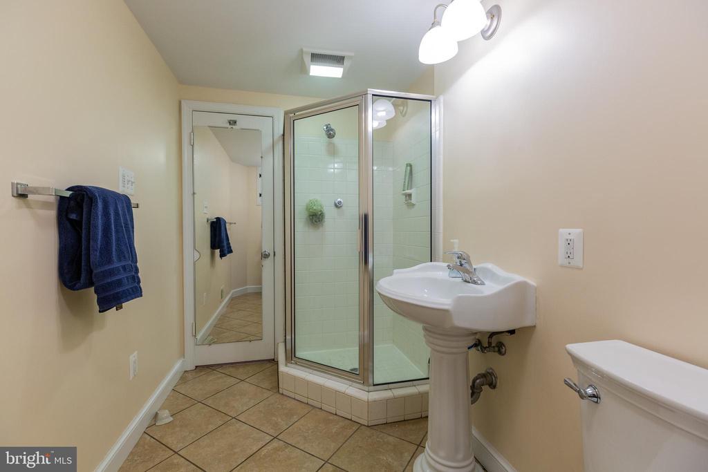 Basement Full Bath - 11030 WAYCROFT WAY, NORTH BETHESDA
