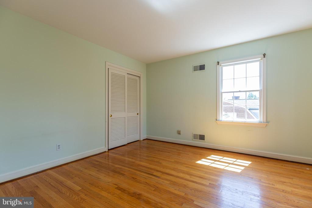 4th Bedroom - 11030 WAYCROFT WAY, NORTH BETHESDA