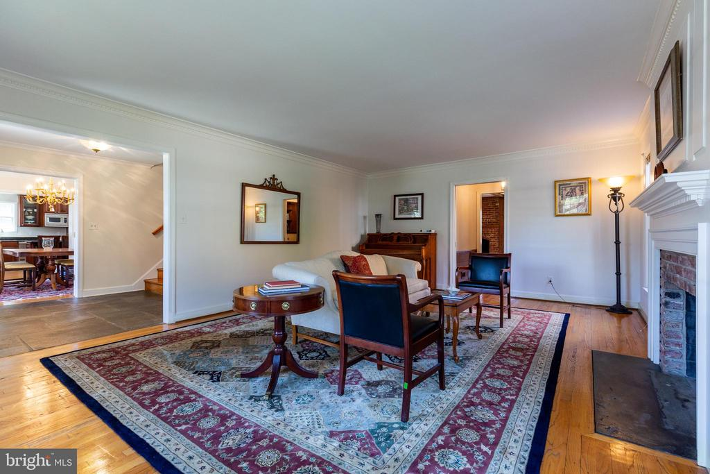 Living Room - 11030 WAYCROFT WAY, NORTH BETHESDA