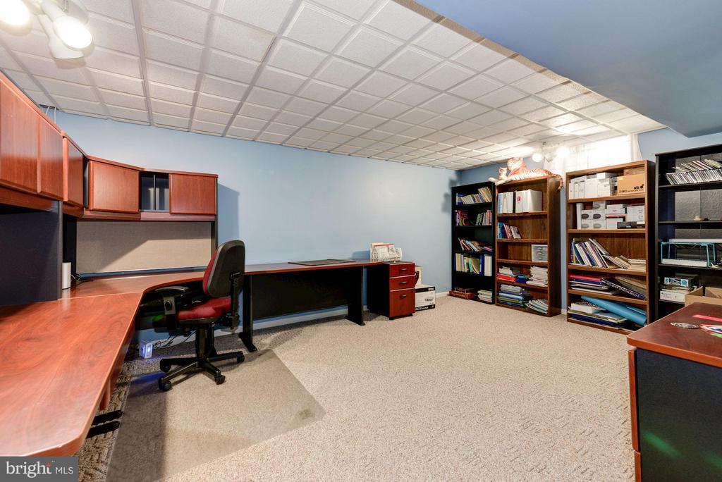Basement Study Room - 5608 CAVALIER WOODS LN, CLIFTON