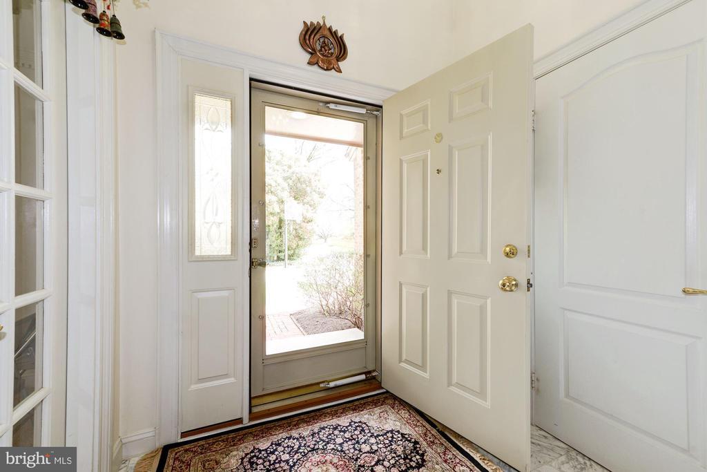 Foyer - 5608 CAVALIER WOODS LN, CLIFTON