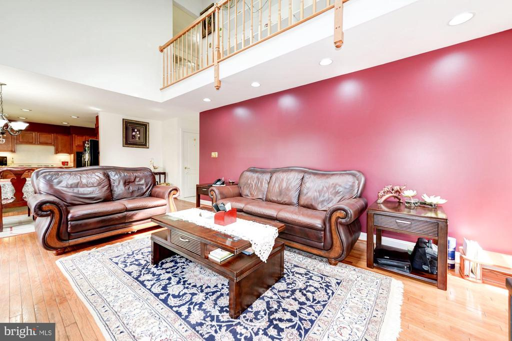 Family Room View#3 - 5608 CAVALIER WOODS LN, CLIFTON