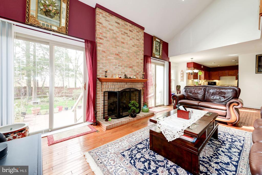 Family Room View#4 - 5608 CAVALIER WOODS LN, CLIFTON