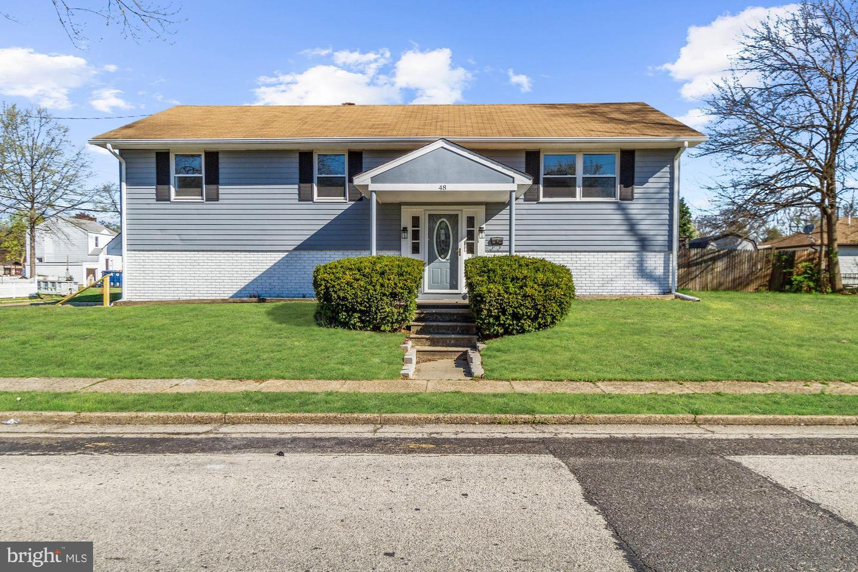 Maison unifamiliale pour l Vente à 48 ADAMS Avenue Mount Ephraim, New Jersey 08059 États-Unis