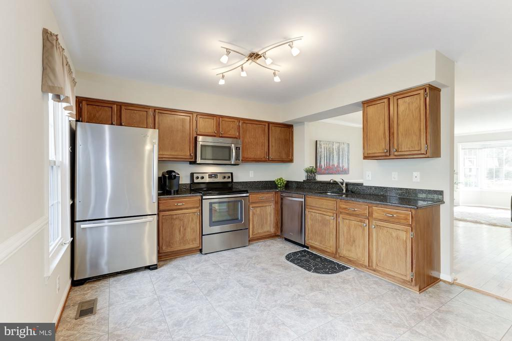 Granite Counters - 14111 BETSY ROSS LN, CENTREVILLE