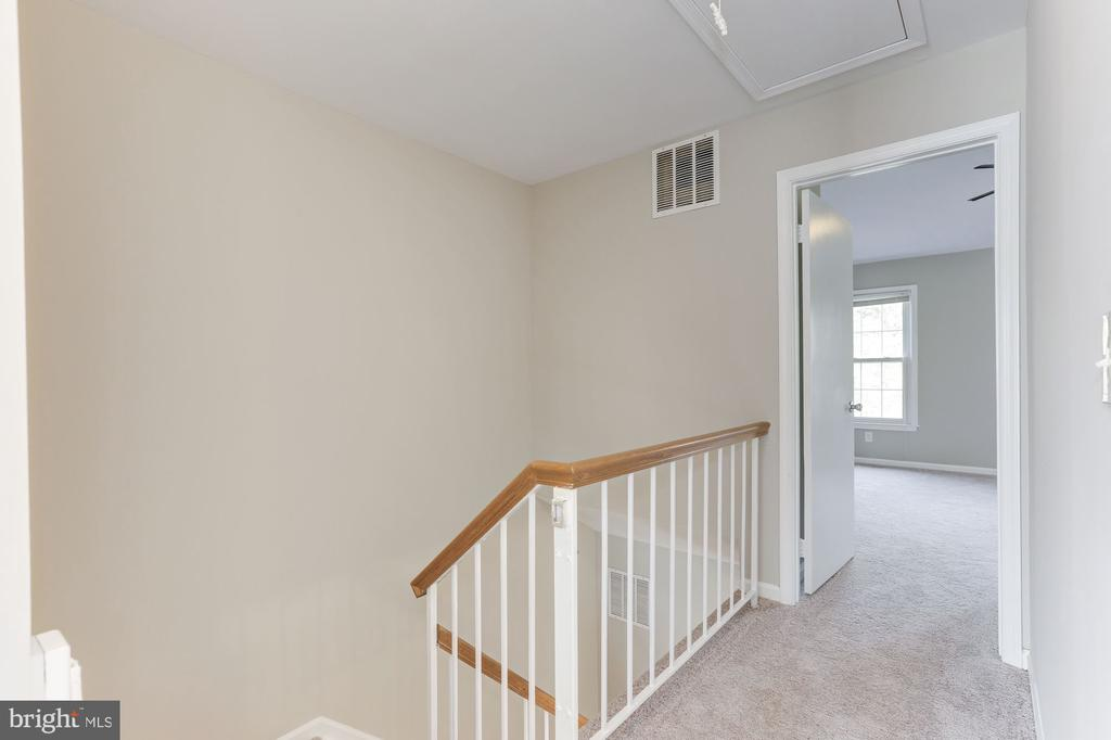Hallway leading to Master Bedroom - 14111 BETSY ROSS LN, CENTREVILLE