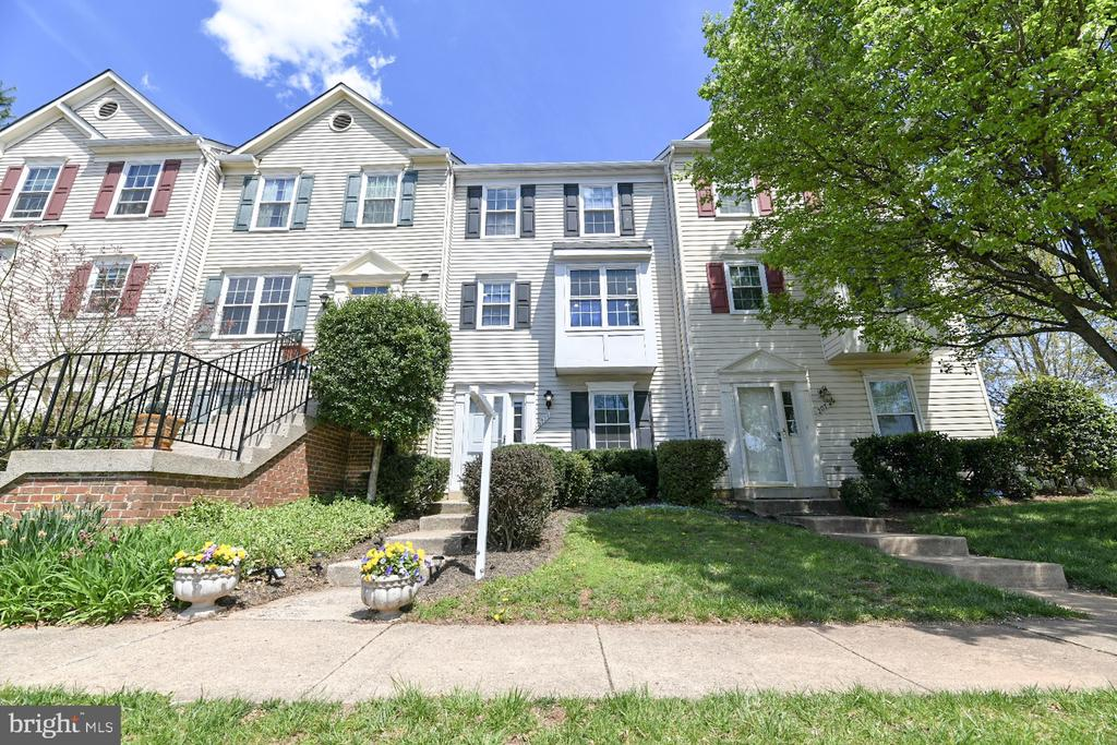 20724  APOLLO TERRACE, Ashburn Village, Virginia