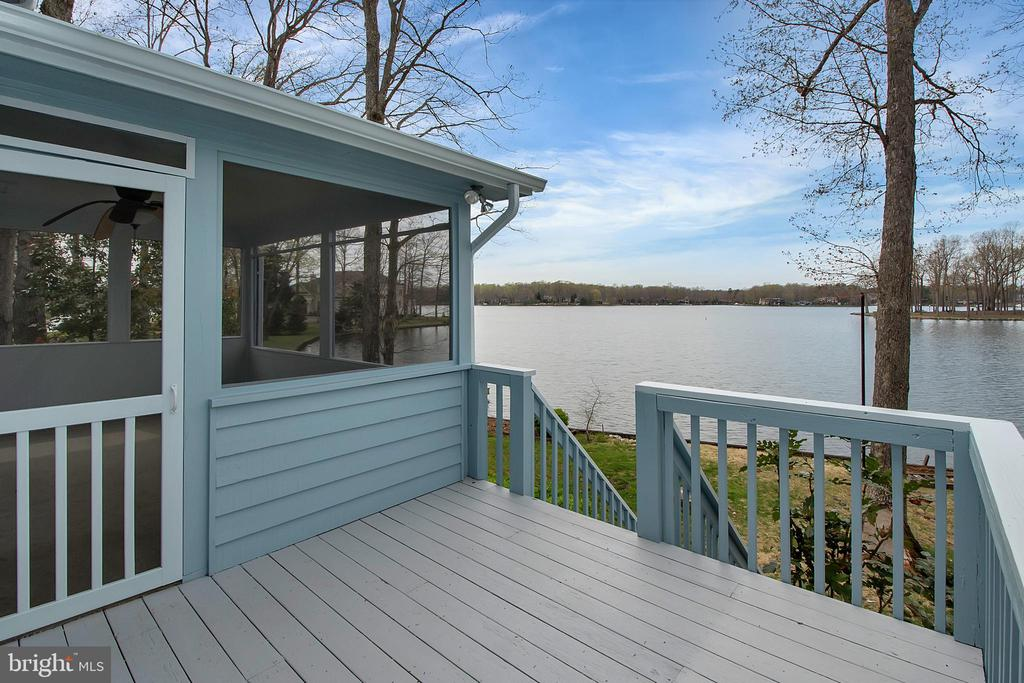 Open deck for grilling and entertaining - 418 WILDERNESS DR, LOCUST GROVE