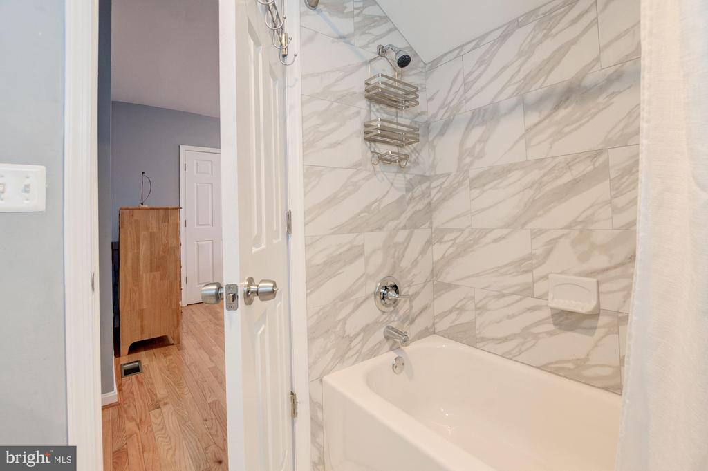 Bedroom2 Bath View2 - 1600 EASTERN AVE NE, WASHINGTON