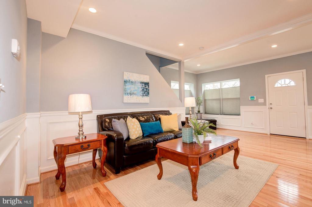 Living Room - 1600 EASTERN AVE NE, WASHINGTON