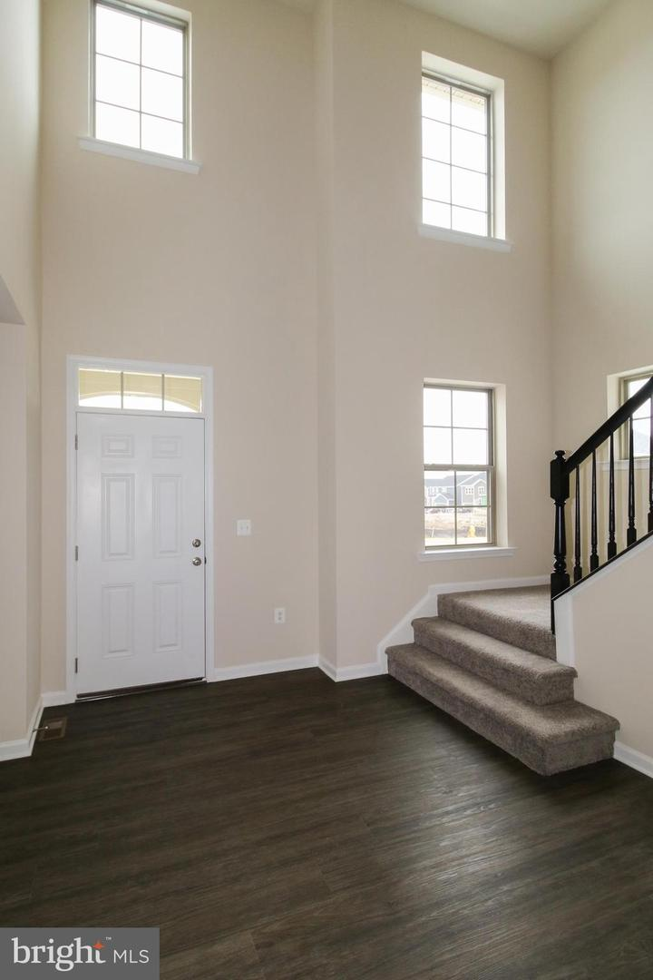 Additional photo for property listing at 204 Fox Glove Way #484 204 Fox Glove Way #484 Stafford, Virginia 22554 United States