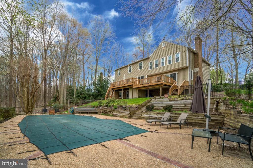 Private Lot with In Ground Pool - 3091 WOODS COVE LN, WOODBRIDGE