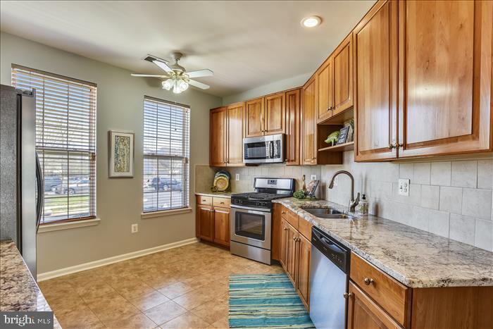Updated Kitchen w/Granite Counters, Tile Floors - 43299 RUSH RUN TER, ASHBURN