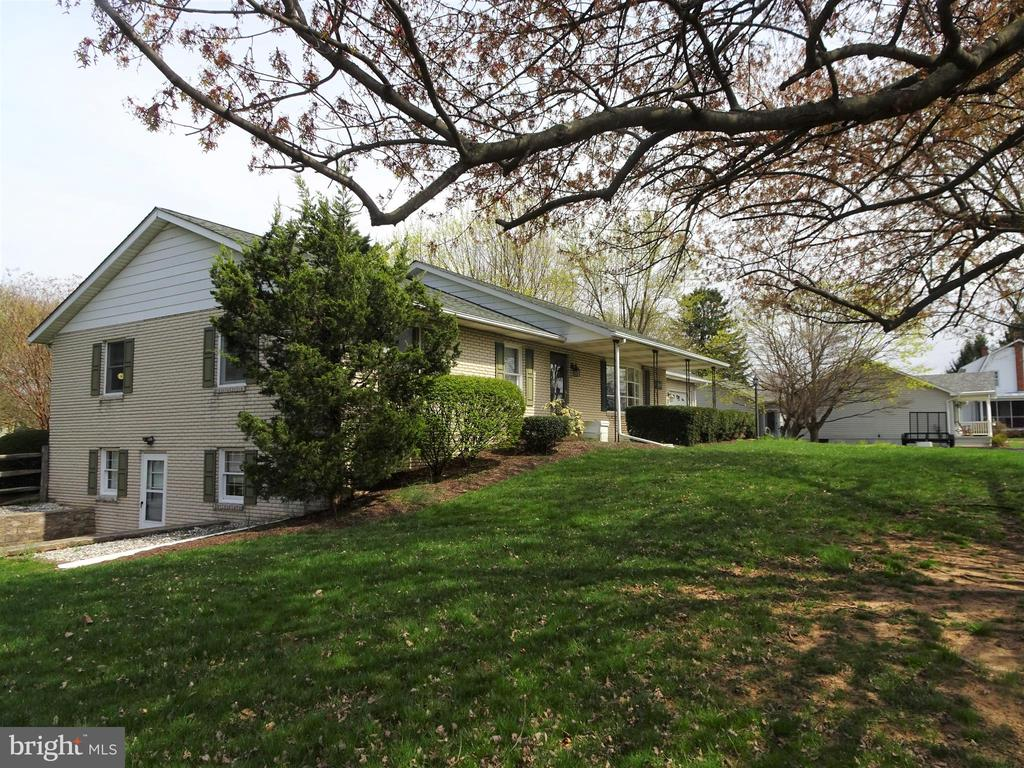 Mature Landscaping - 7911 OPOSSUMTOWN PIKE, FREDERICK