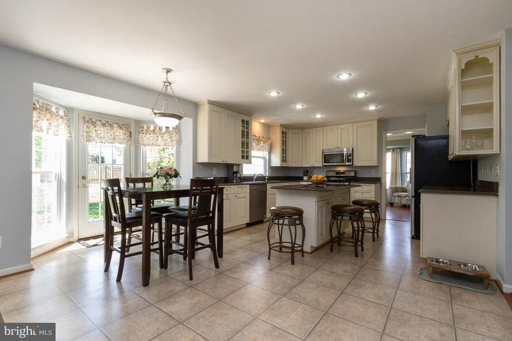 breakfast nook - 20691 POMEROY CT, ASHBURN
