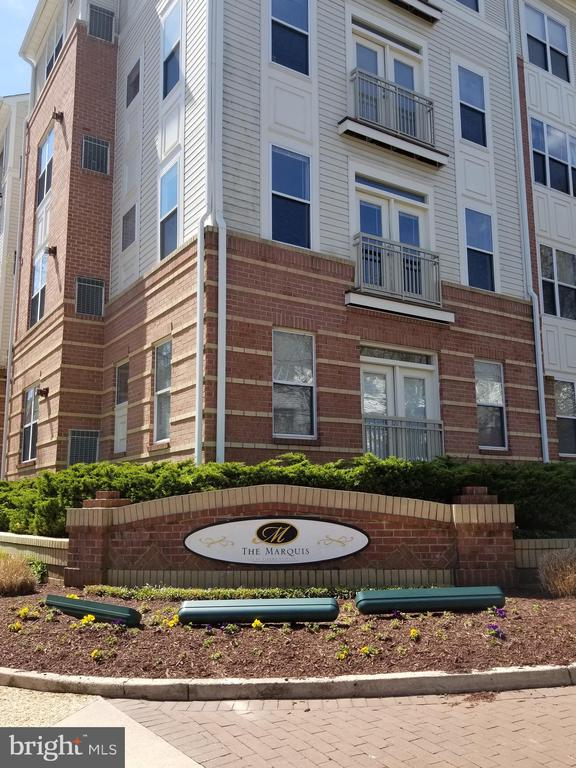 Welcome to the Marquis at Vienna Station - 2791 CENTERBORO DR #185, VIENNA