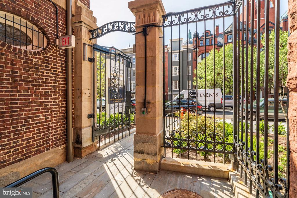 Gorgeous common grounds - 1745 N ST NW #208, WASHINGTON