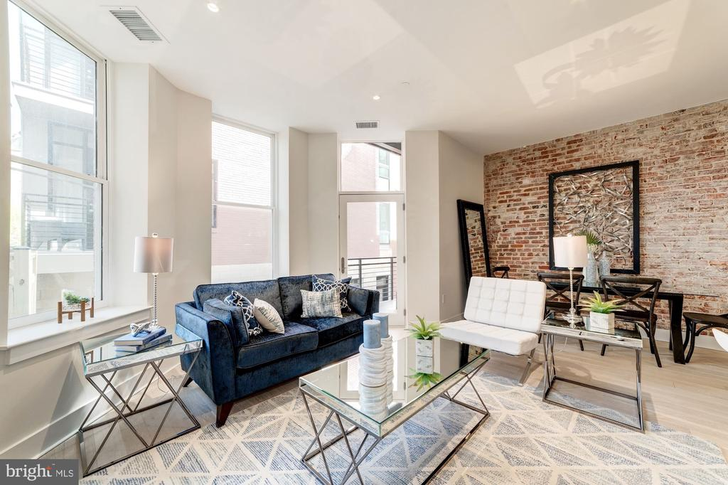 Larger windows offering lots of natural light - 1745 N ST NW #208, WASHINGTON