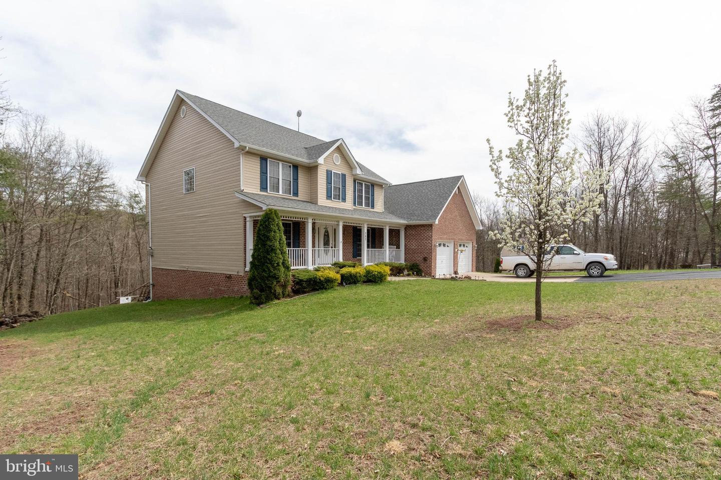 Single Family for Sale at 181 Tralee Dr 181 Tralee Dr Cross Junction, Virginia 22625 United States