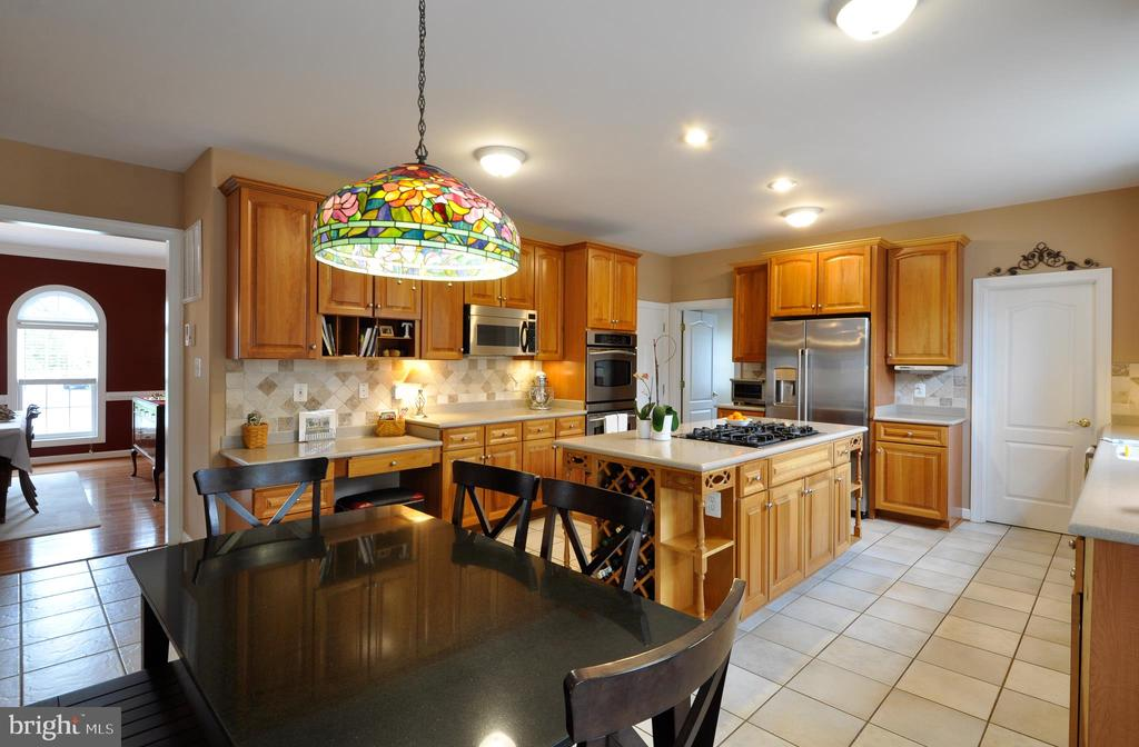 Upgraded cherry cabinets - 26 PINKERTON CT, STAFFORD