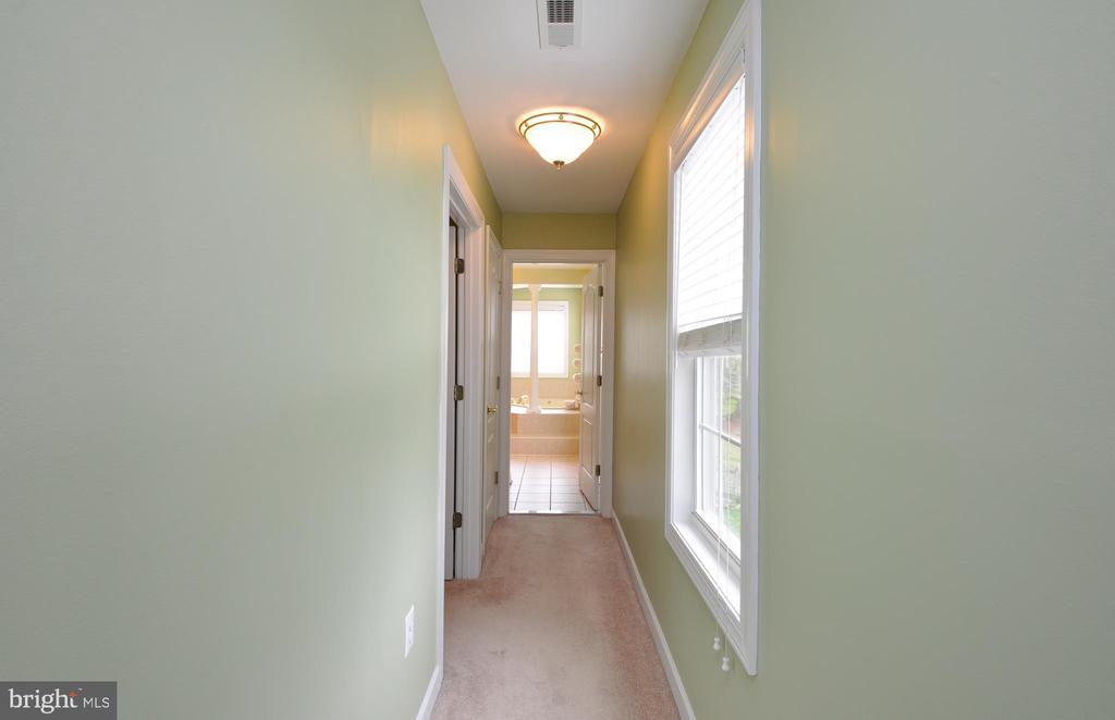 Hall to closet & master bath - 26 PINKERTON CT, STAFFORD