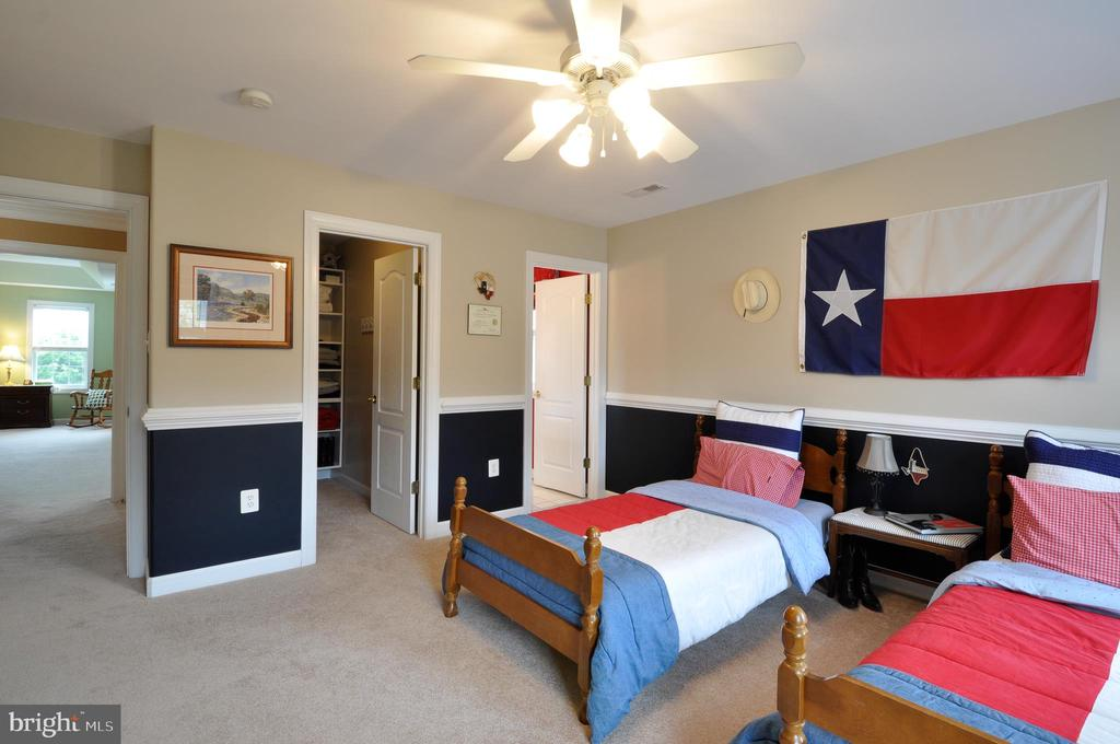 Bedroom 2 w/private bath - 26 PINKERTON CT, STAFFORD