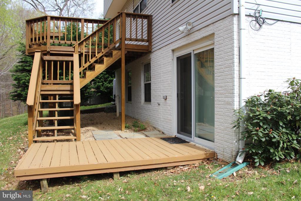 Deck/patio off basement - 13 HARRY CT, STAFFORD