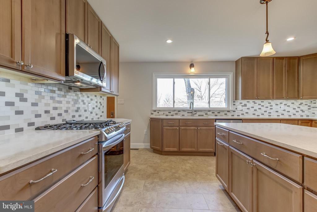 Work area in kitchen. - 7007 PARTRIDGE PL, HYATTSVILLE